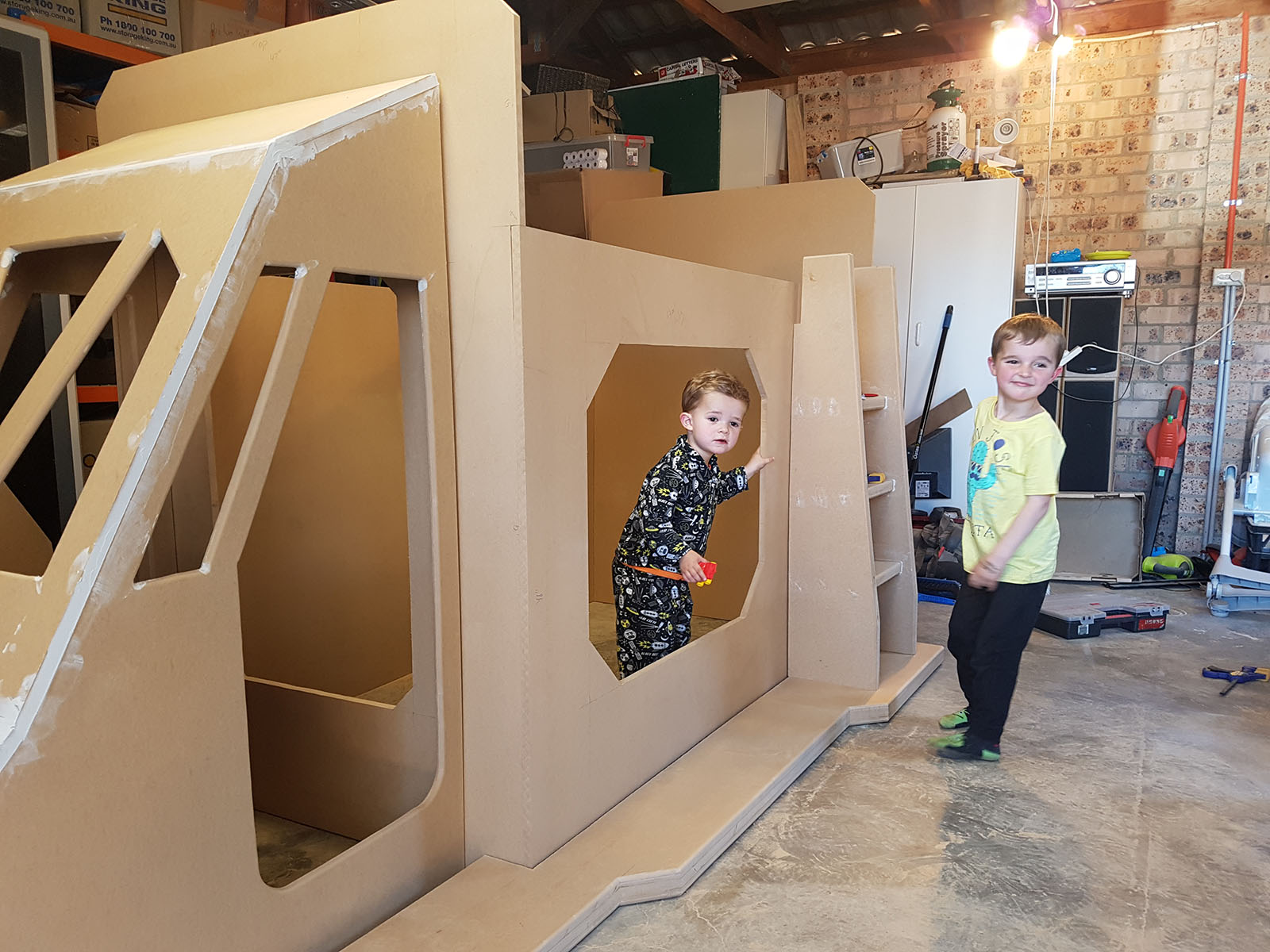 This Dad Goes Above And Beyond With A Space Ship Bunk Bed