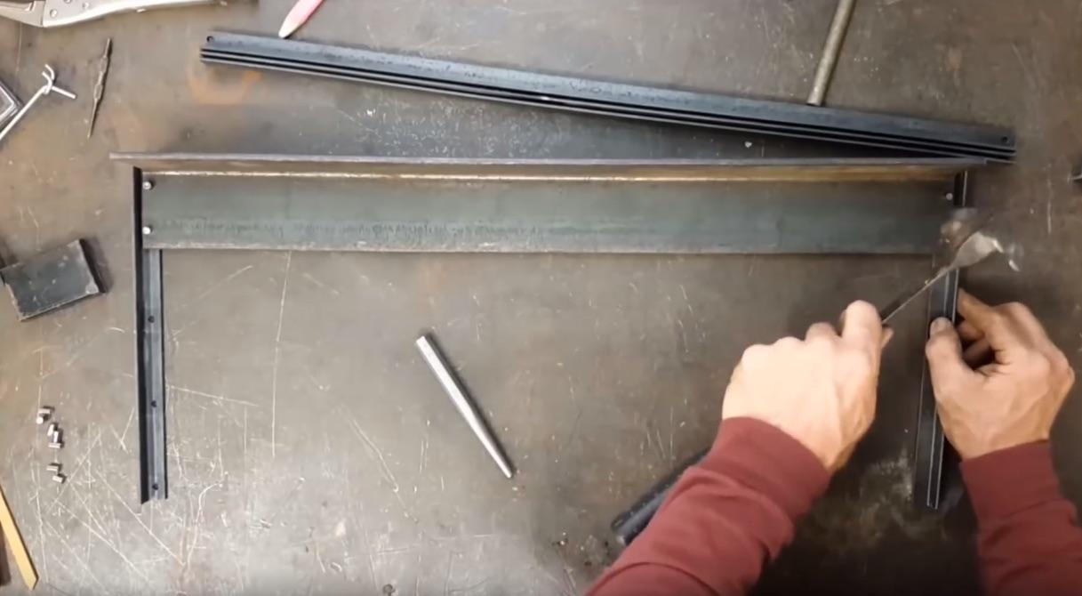 Build Metal Tool Racks Without Welding