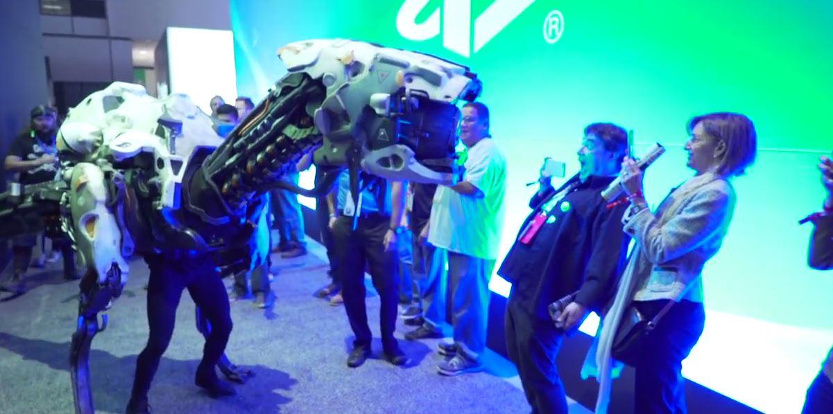 "Building a 13-Foot Long Robot Dinosaur ""Watcher"" Costume from Horizon Zero Dawn"