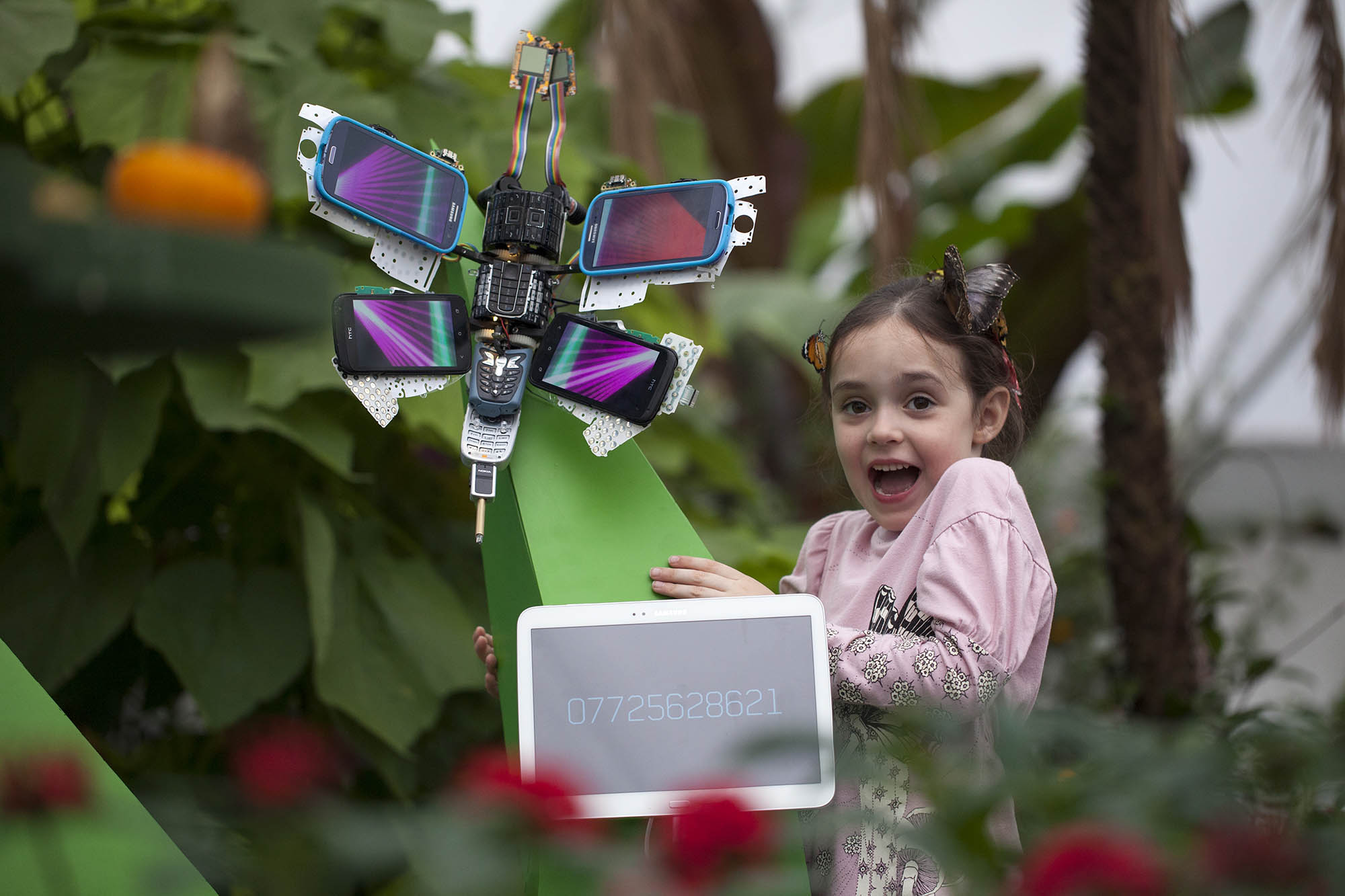 These Interactive Cellphone Butterflies Come to Life When You Call Them