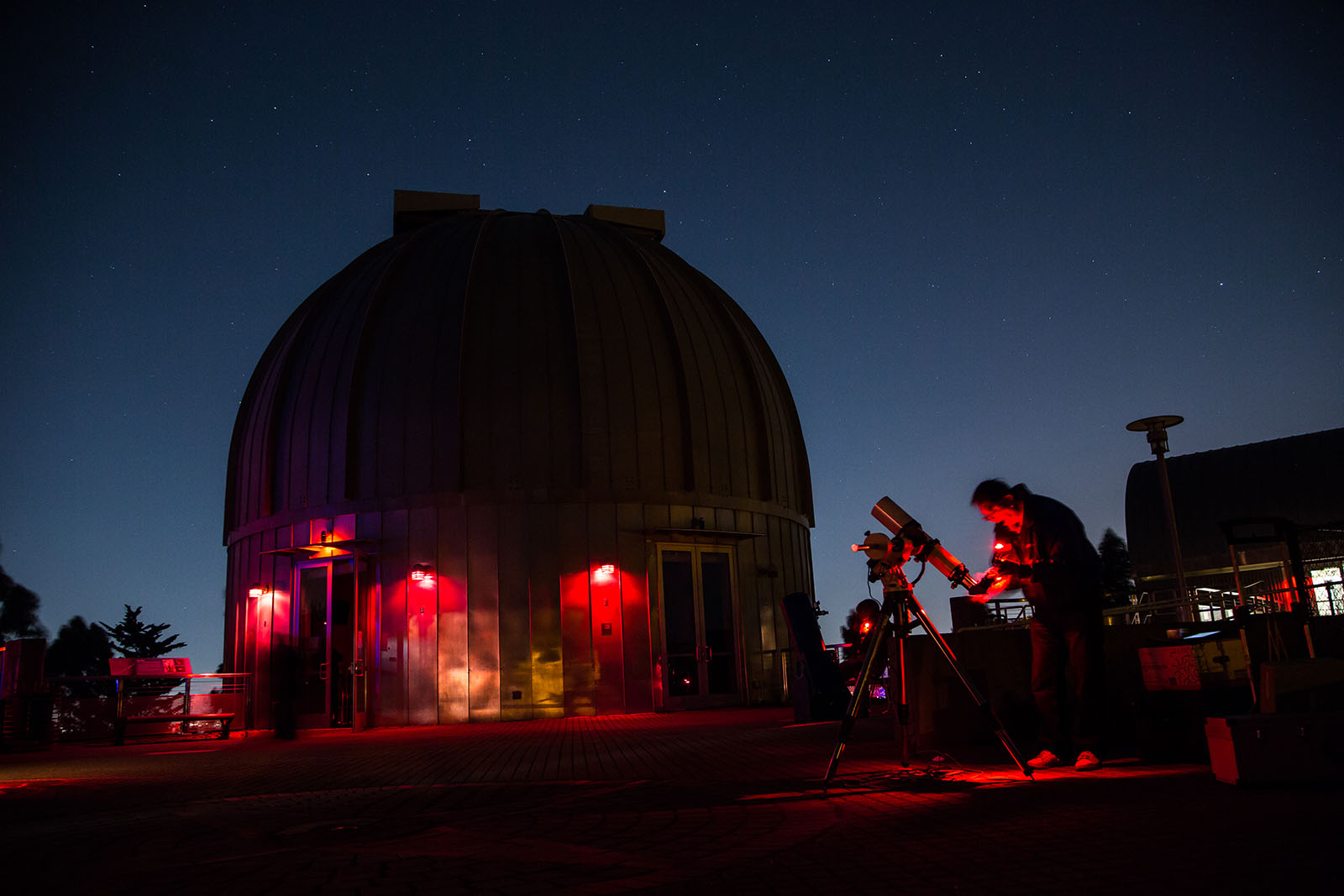 Find a Telescope Workshop to Watch the Skies DIY Style