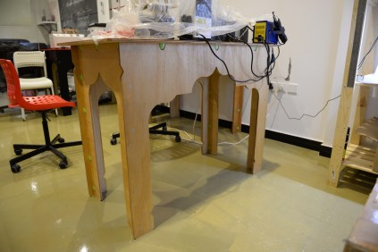 The workbenches are built at Tekspacy using clever plastic connectors