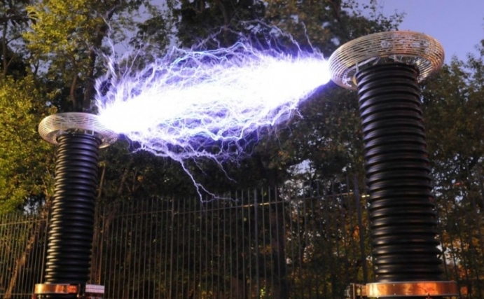 The Man Who Makes Lightning on Demand
