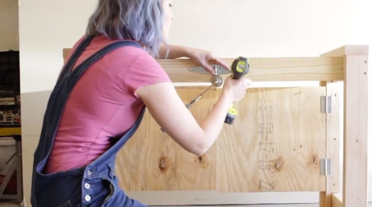 Building a Portable, Collapsible Workbench