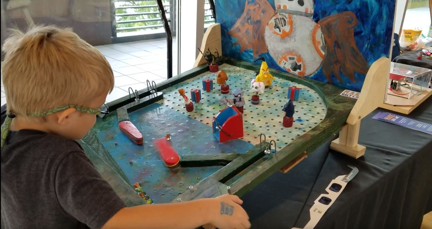 Use Peg Board and Rubber Bands To Make Your Own Pinball Machine