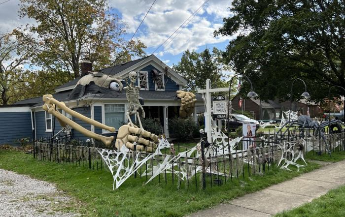 How To Make Absolutely Giant Skeletons For Halloween