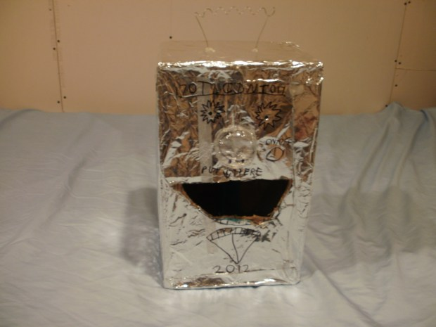 Robot-Headed Valentine Box