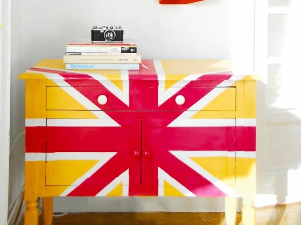 Union Jack Shelf