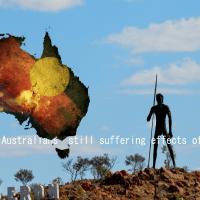 アボリジニの男性とオーストラリアとアボジリニの国旗の画像