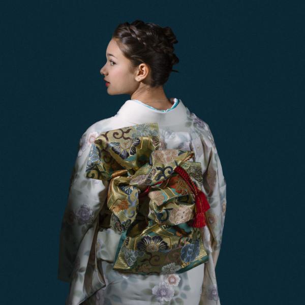 Woman in Kimono.  Photographer: Peter Prato