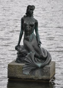mermaid statue_edited