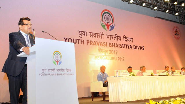 The CEO, NITI Aayog, Amitabh Kant addressing at the Plenary Session II of the Youth Pravasi Bharatiya Divas 2017, in Bengaluru, Karnataka on January 07, 2017.