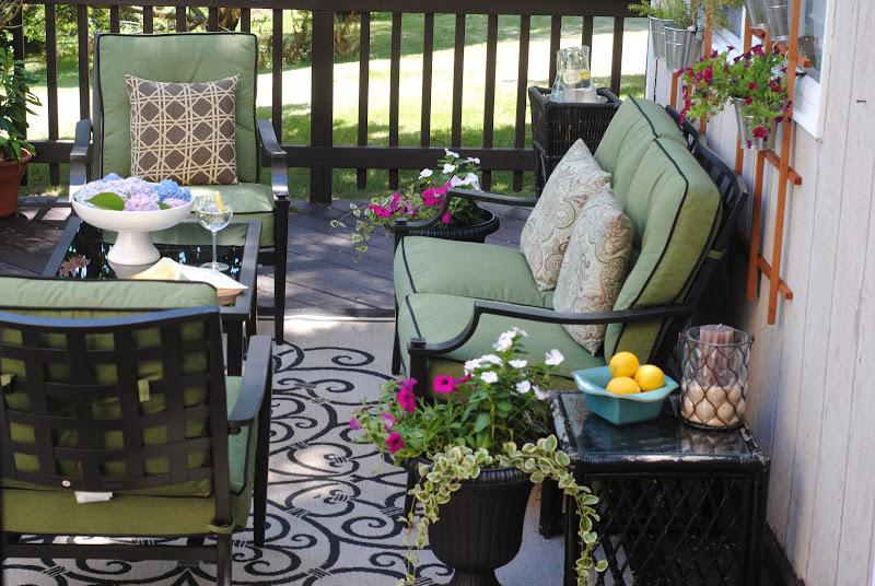 Creating An DIY Outdoor Mommy Oasis Making Lemonade