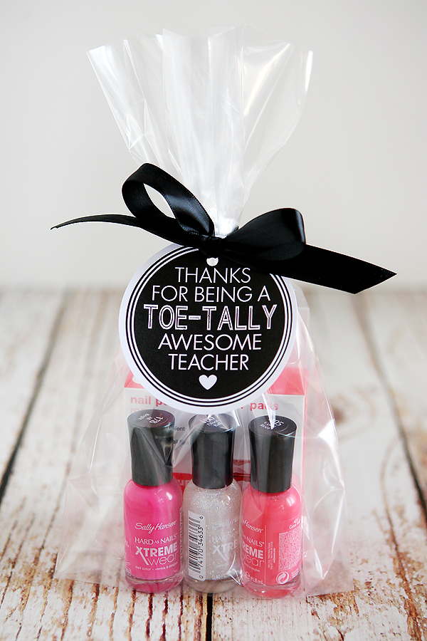 20 End Of Year Teacher Gifts That Theyll Use And Love