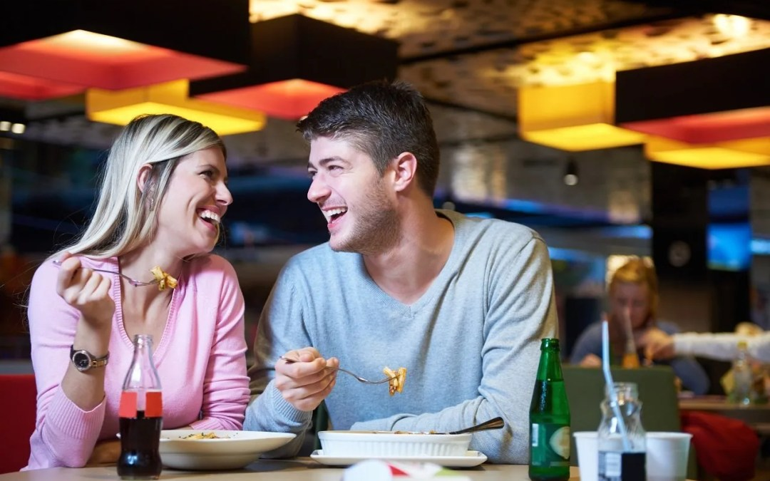 5 Tips For Dining Out With Hearing Loss