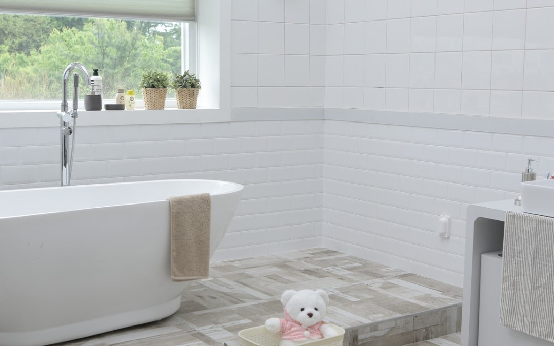 Genius Bathroom Deep Cleaning Tips From The Pros Making Midlife - Deep cleaning bathroom