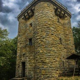 """Der Bismarckturm bei Opperode mit interessanter Architektur und schöner Aussicht von der """"Dachterrasse"""""""