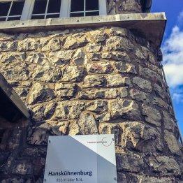 Die Hanskühnenburg auf 811m Höhe. Hier ist es schon merklich frischer!
