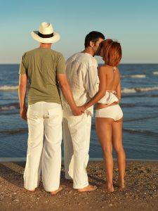 woman cheating on boyfriend