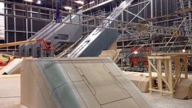 millennium falcon star wars spoiler sneak peek behind the scenes photos 0110 480w