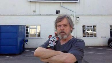 Photo of Awesome picture of Mark Hamill in front of Star Wars: Episode VII Pinewood location sign!