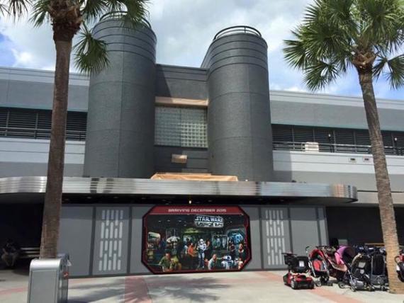 CO8wfkqWoAAjUrA - New Signage for Star Wars Launch Bay at Walt Disney World