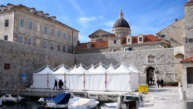 Photo of Benicio Del Toro in Dubrovnik rumors and production tents set up for Star Wars: Episode VIII!