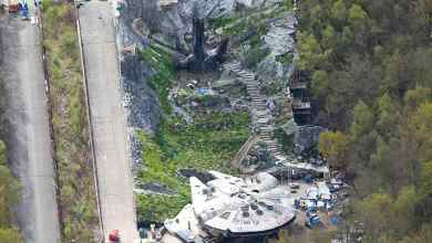 Photo of Set photos for Star Wars: Episode VIII reveal Ahch-To and Millennium Falcon sets!