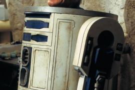image 27 - Kenny Baker, R2-D2 in Episodes I-VI, has passed away