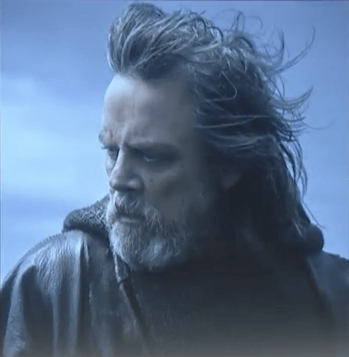 What's special about Luke Skywalker's necklace in Star Wars: The Last Jedi?