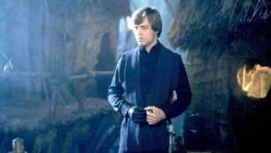 Did SWCT show us our first look at Luke Skywalker's final costume in Star Wars: The Last Jedi?