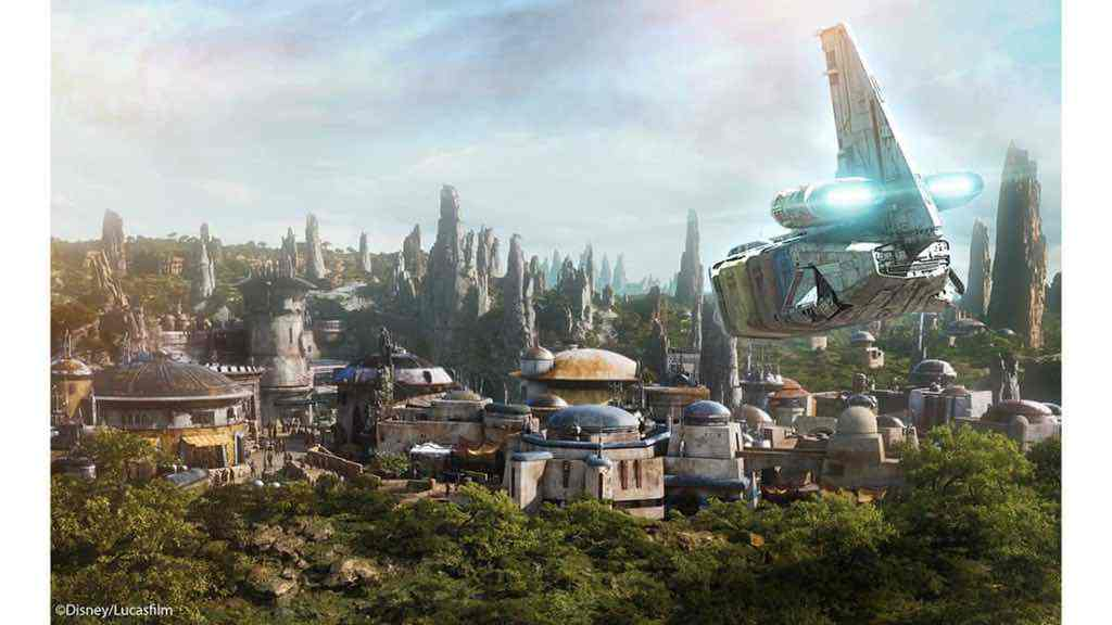 An overview of the Star Wars: The Last Jedi Star Tours II additions at Disneyland!