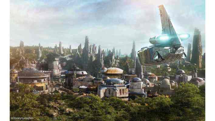 Batuu - An overview of the Star Wars: The Last Jedi Star Tours II additions at Disneyland!