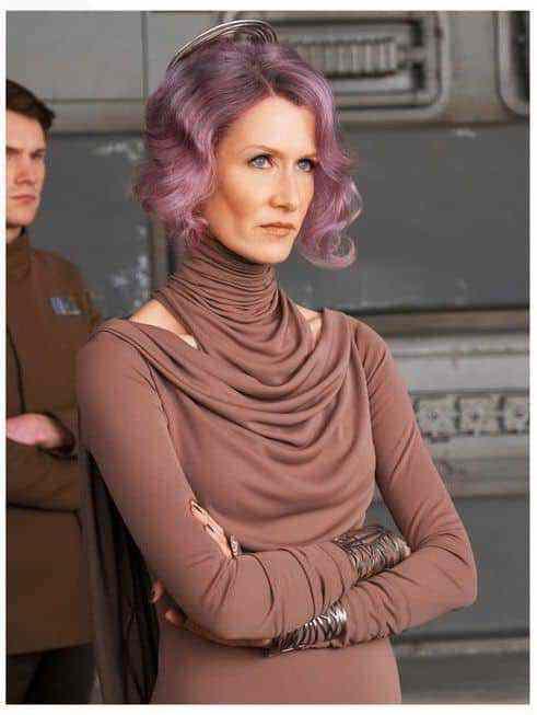New image of Vice Admiral Holdo in Star Wars: The Last Jedi