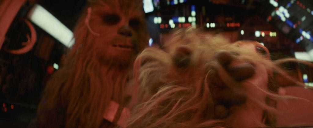 IMG 7078 1 - Chewbacca hits a Porg in latest Star Wars: The Last Jedi TV Spot