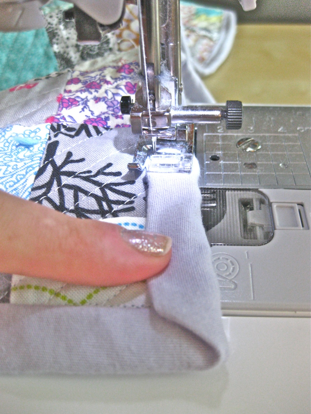 DIY Queen sized chenille quilt - sewing binding corner