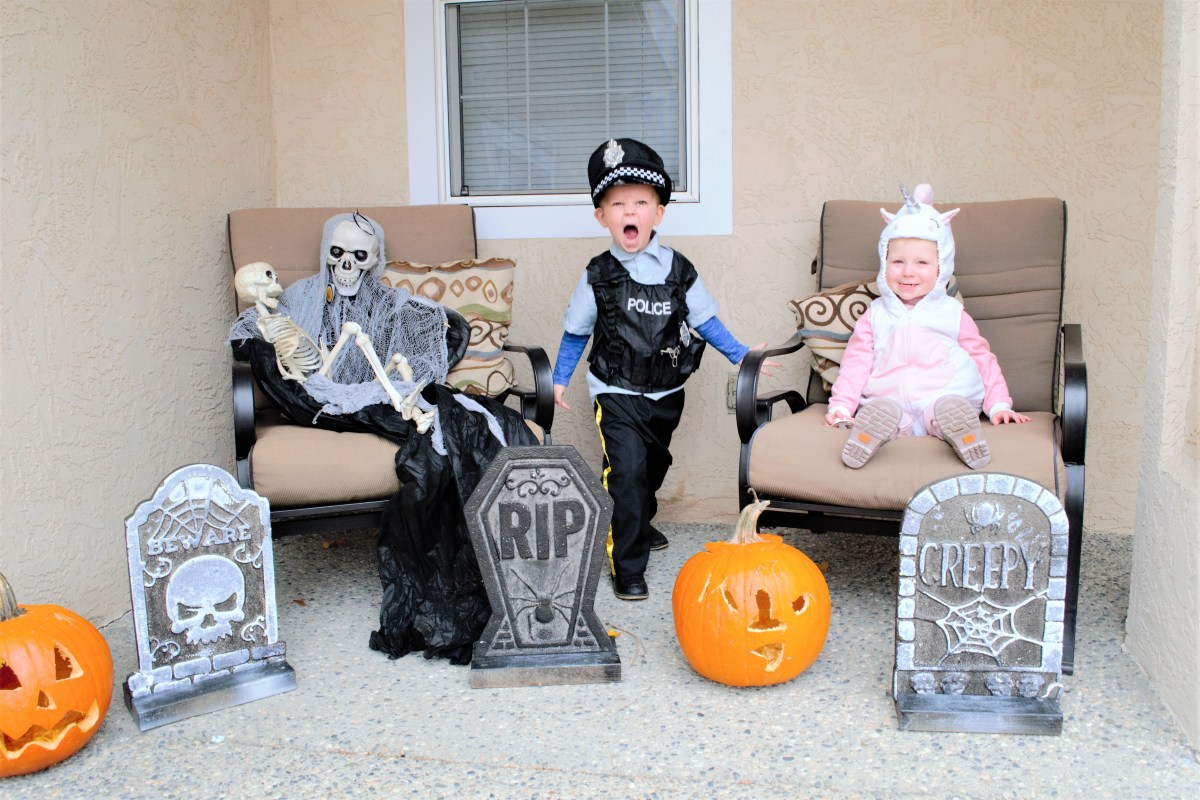 Halloween Traditions with the Kiddos - photo shoot
