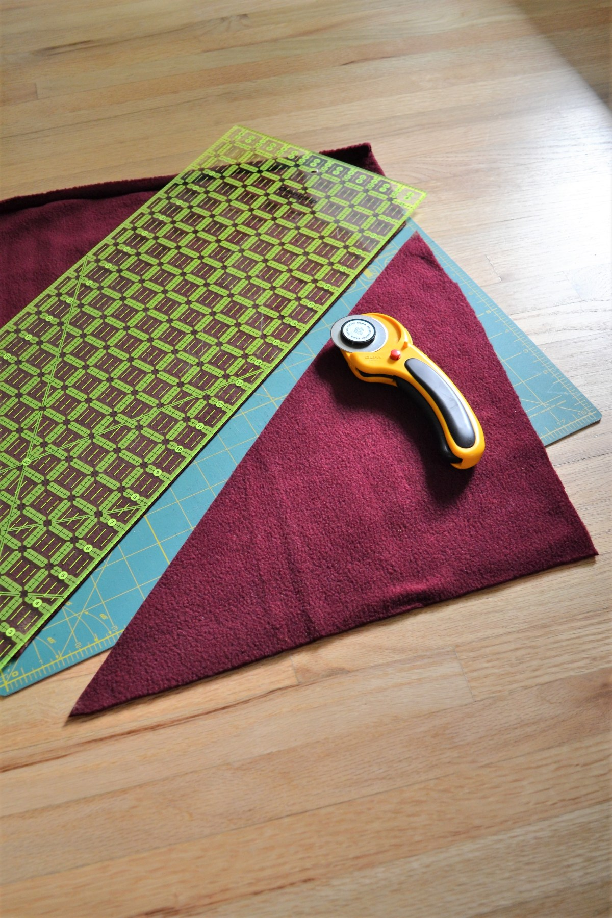 How to Make a Reversible Hooded Baby Blanket - cut out hood