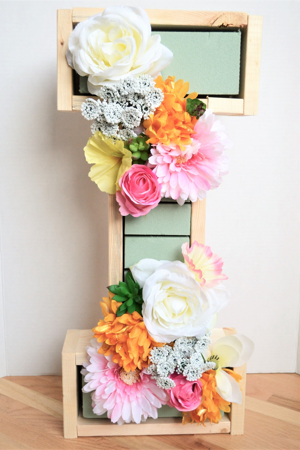 "DIY Wooden Floral Letter ""I"" Tutorial - more flowers"