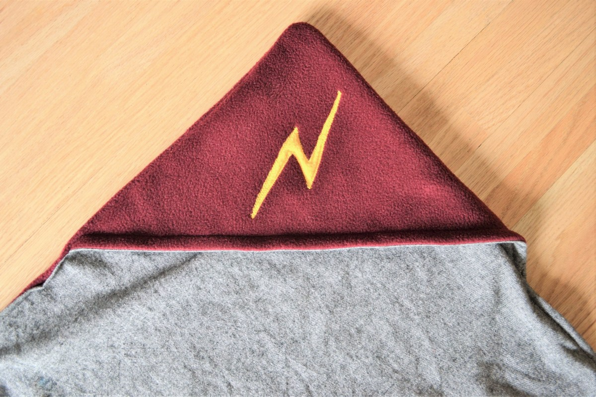 How to Make a Reversible Hooded Baby Blanket - compleated hood