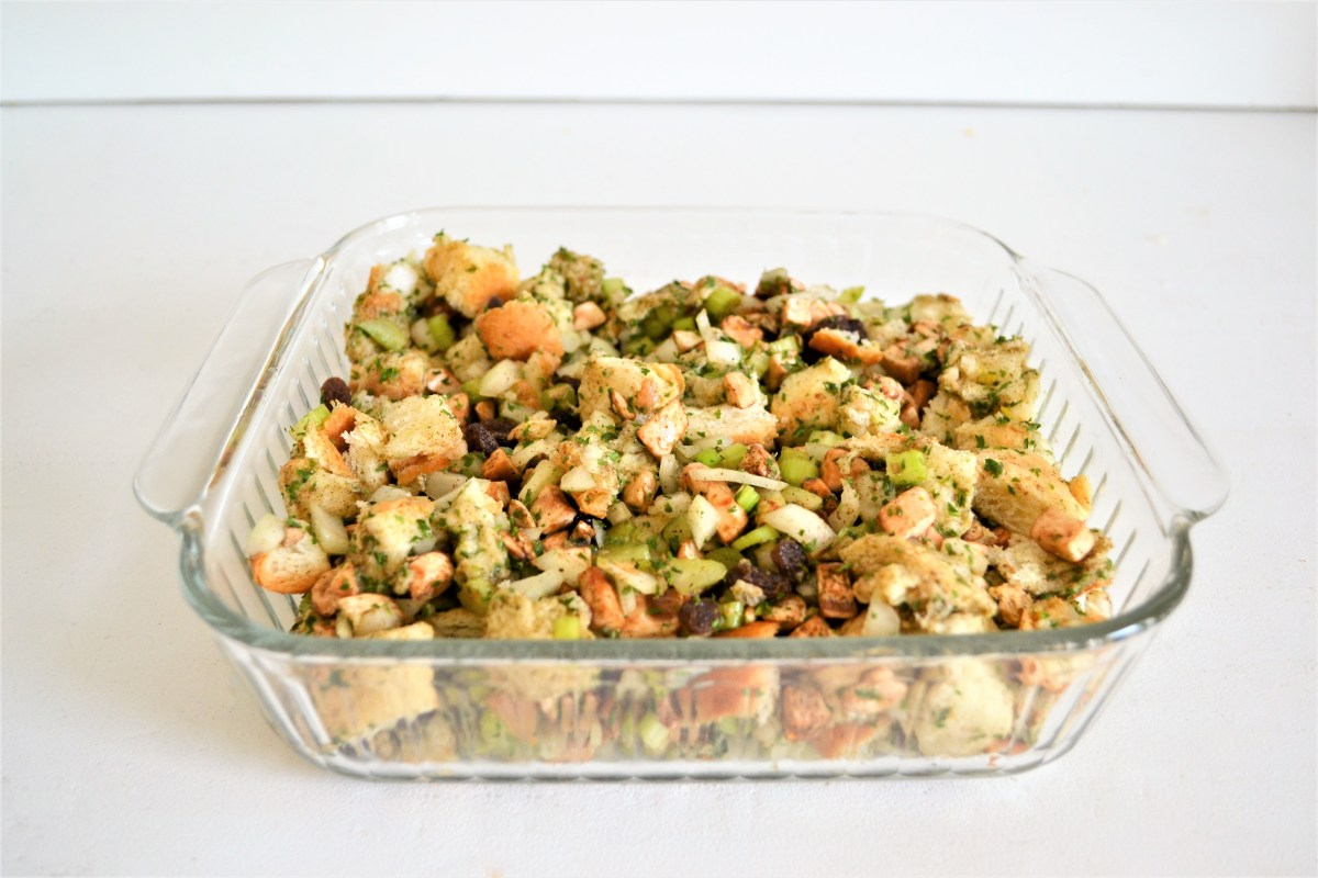 Mom's Delicious Turkey Stuffing Recipe! - Making Things is ...
