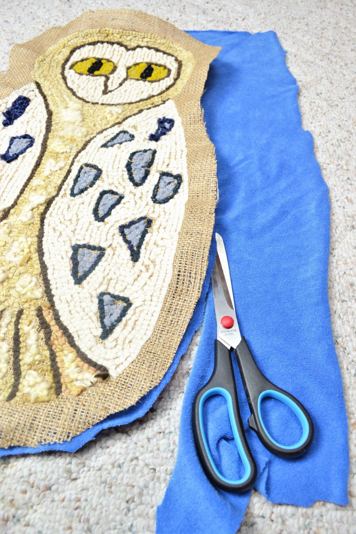 Rug Hooking: How to Make Your Rug Hooking Patterns into a Pillow! - cut backing fabric