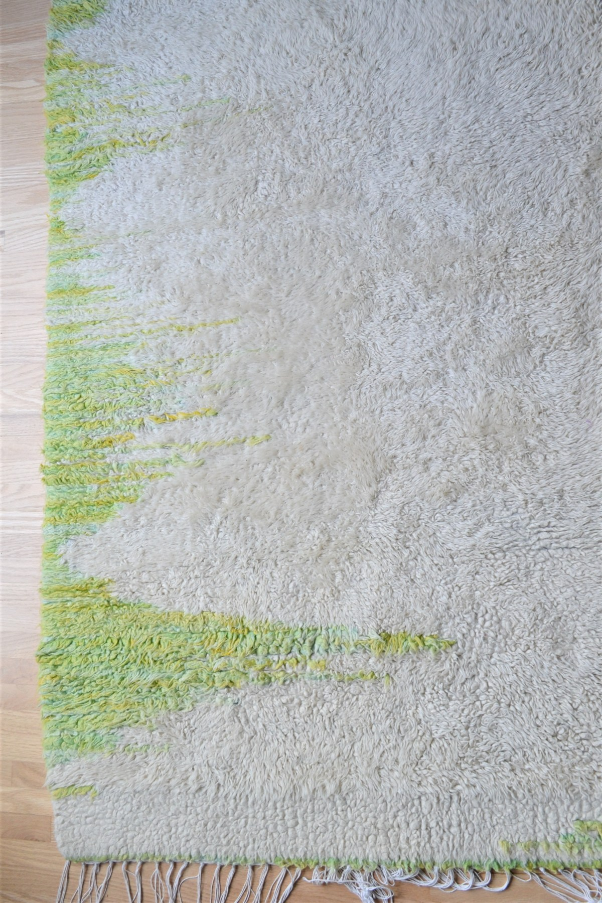 Floor Loom Rug Weaving Inspiration! - white and green