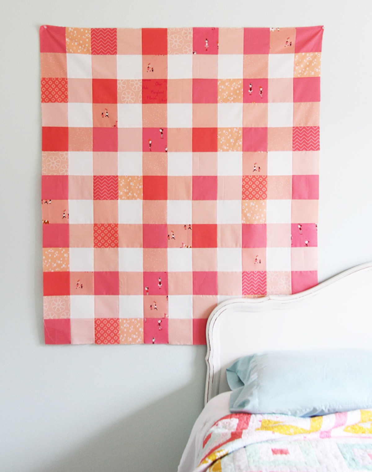 10 Free Modern Quilt Patterns For Beginners! - Gingham Coral Quilt Top - from Cluck Cluck Sew