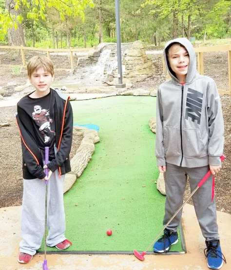 mini golf at Grizzly Jack's