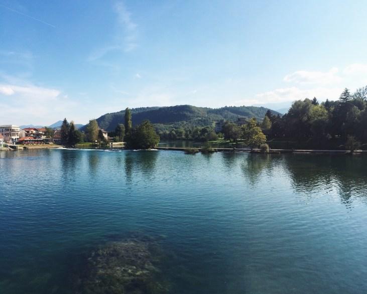 The River Una