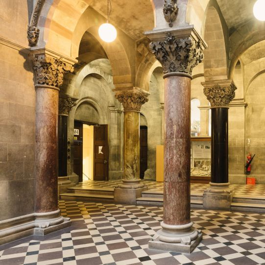 Assortment of multi-drum columns and monoliths on the ground floor