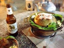 焼と鍋がいっぺんに味わえるムーカタ