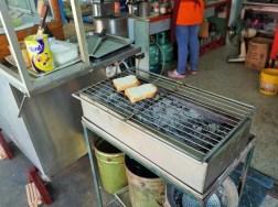 スンガイコロクの炭火焼シュガートースト