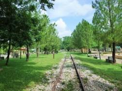 スンガイコロク 国境に向かう使われていない鉄道